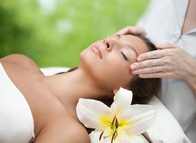 Head Massage for Ladies Sri Lanka
