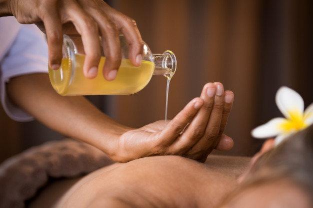 Oil Massage Therapist Sri Lanka